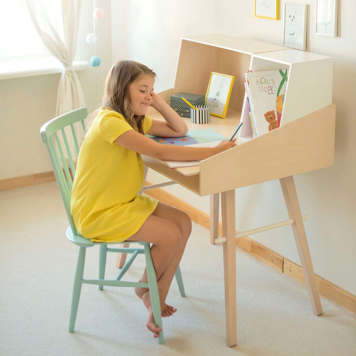 bureau table evolutive chambre enfant solo kukuu