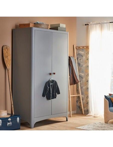 leander armoire grise bois hetre cuir taille chambre