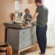 Leander commode tiroirs Luna gris bois chene enfant avec papa
